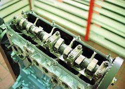 250px-vw_4zylinder_1-8l_8v_motor_mit_nockenwelle